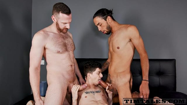 Alex Roman, Tim Kruger, Franklin Acevedo – Alex's Massive 3some [Bareback]