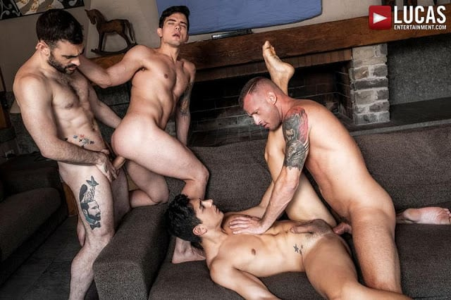 Logan And Max Breed Dakota And Ken [Bareback]